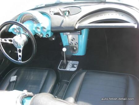1959 Corvette interior dashboard