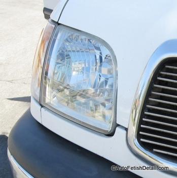 restoring plastic headlight with turtle wax headlight restorer