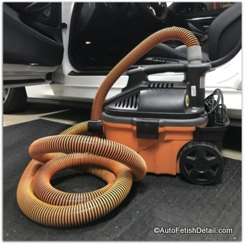 car detailing vacuum for cleaning car seats