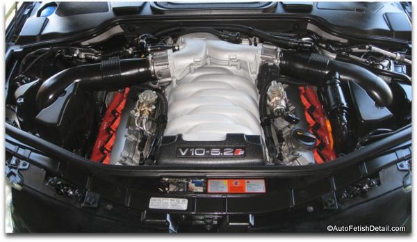 engine bay detailing of Audi S8