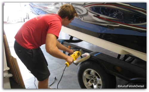 fiberglass boat polishing
