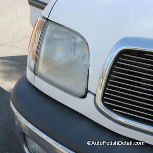 mobile headlight restoration service