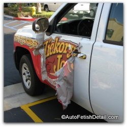 professional vehicle wrap removal