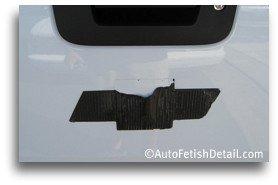 remove chevy bowtie emblem