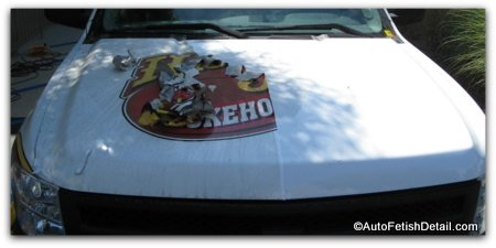 removing car vinyl graphics
